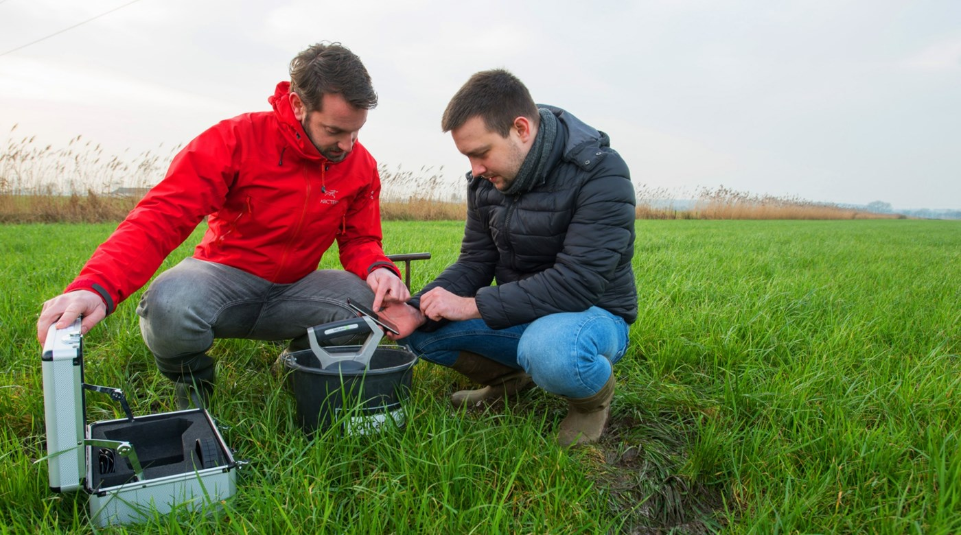 Now available in Poland: real-time soil testing with SoilCares Scanner